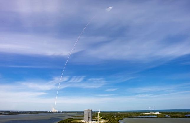SpaceX成功发射第七批60颗星链卫星,将为地球提供宽带服务