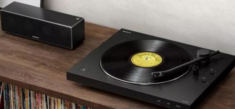 索尼(中国)有限公司正式推出黑胶唱片机新品PS-LX310BT,定价2490元