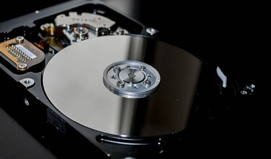 "SMR NAS硬盘被网友""毒打"" 这个坑到底有多大?"