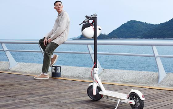 小米滑板车1S今日开卖:30Km续航 首发价1999元