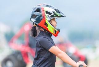 安全头盔价格上涨,导致交通处罚新规推行受阻