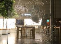 美抗议活动殃及零售店遭到劫掠  苹果暂时关闭多家门店