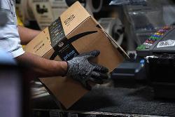 亚马逊被员工起诉:因家人也被连带传染新冠病毒