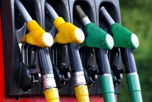 中石化、中石油即将入驻天猫:线上加油卡充值,周五9折加油