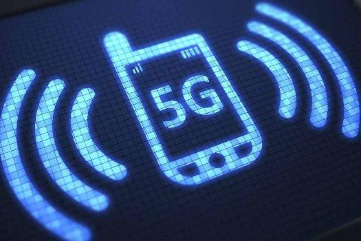"5G手机""先厚重再轻薄"",190g以下机型回归主流"