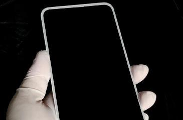 坚果手机新品曝光:白色前面板+四边等宽,55W快充