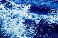 大地震致福岛核电站报废 日本决定将百万吨核废水排入大海