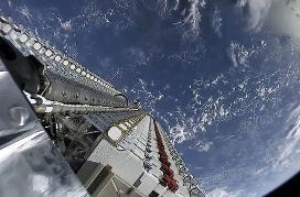 目前已发射的SpaceX星链卫星中 约3%已经失效
