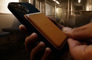 苹果新专利:利用 MagSafe 手机壳使 iPhone 更快,且不会过热