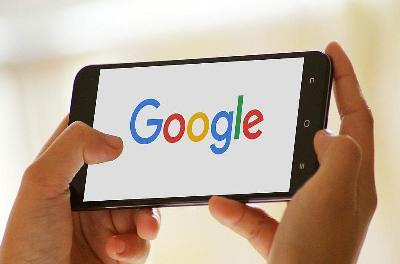 谷歌折叠屏手机专利公布:有望用于自家 Pixel 手机