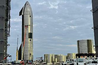 SpaceX SN10刚炸了半天,SN11就已火速准备测试