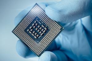 亚马逊正在研发定制新芯片,减少AWS对博通的依赖