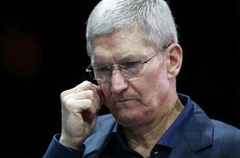 """库克:旁加载应用将""""打破""""苹果 iPhone 的隐私和安全性"""