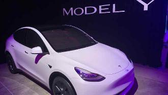 """美媒:特斯拉驾驶座无人照上路,证明这种自动驾驶汽车""""很好骗"""""""