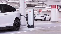 特斯拉超级充电桩全球部署达25000个 年底或破30000个