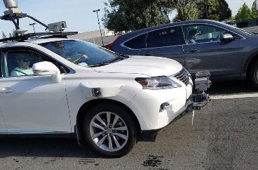 苹果扩大自动驾驶汽车测试车队 减少测试司机人数