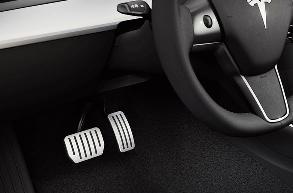 特斯拉剎車踏板需要安裝高清監控設備