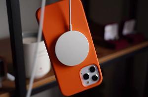 苹果公布应与心脏起搏器保持距离的产品清单