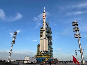 神十二将于三个月后返回,着陆点为东风着陆场,系首次沙漠回收