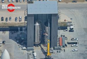 SpaceX工厂开始组装星际飞船和助推器,或将8月开始测试