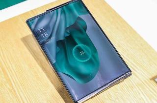 OPPO 首款折叠屏手机将至:内折方案 + LTPO 屏