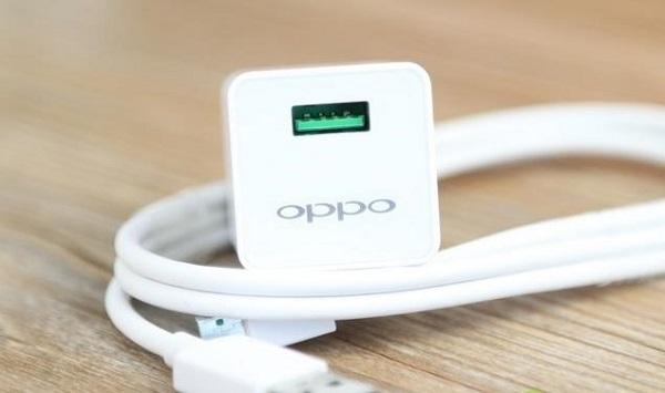 OPPO举办闪充开放日,宣布新的充电技术