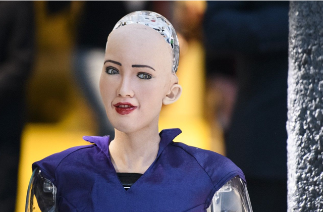 """曾经扬言要""""消灭人类""""的AI机器人索菲亚,如今在干啥?答案让人意外"""