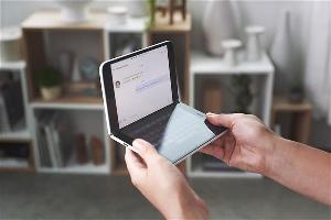 微软有可能会在明年推出下一代  Surface Duo