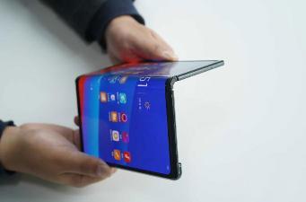 OPPO、vivo折叠屏手机曝光:三星供货