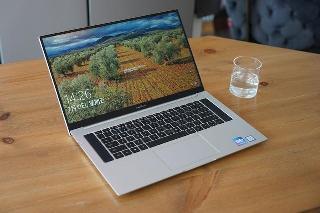 小米笔记本 Pro 预热:是大师屏,更是全面屏,屏占比高达 9_%