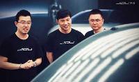 李彦宏参观集度汽车首款油泥模型:要把人工智能技术第一时间推向市场