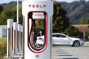 马斯克:将于今年对其它电动车品牌开放超级充电桩