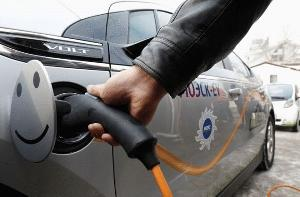俄罗斯对购买电动汽车进行补贴,刺激消费和振兴产业