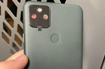 Pixel 5A 真机照曝光,背面采用橡胶材质