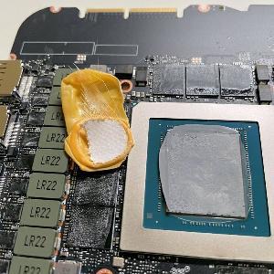 散热出问题,RTX 3090创始人版显卡内部发现指套
