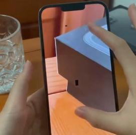 iPhone13拍照翻车,拍照时出现黑点